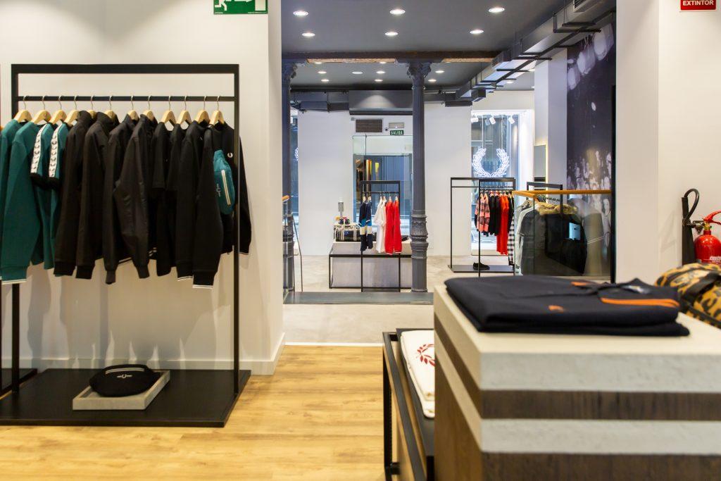 La nueva tienda de Fred Perry en Madrid. interior y escaparate.