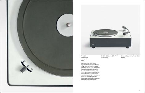 Doble página del interior 'Dieter Rams: The Complete Works', por Klaus Klemp con prólogo de Dieter Rams