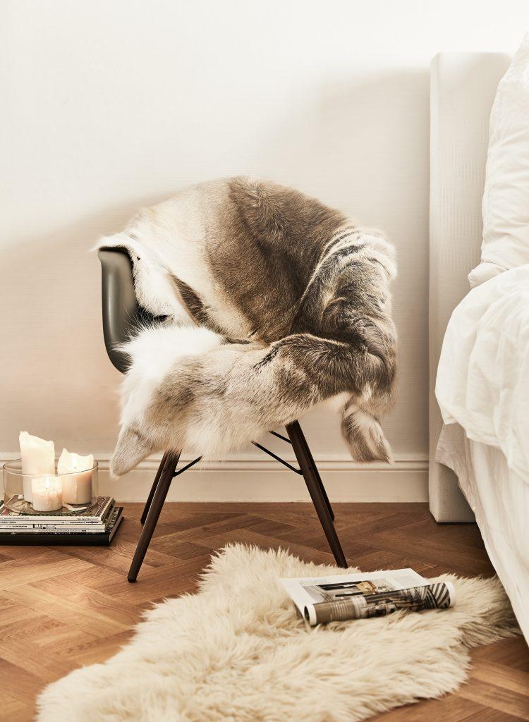 Tendencias de invierno, imagen de Westwing silla con manta